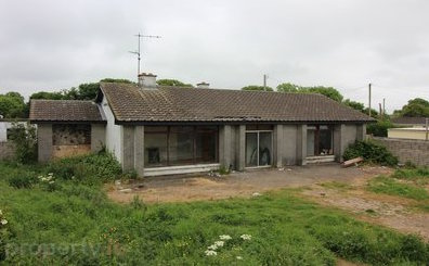 1970's house in need of an exterior makeover
